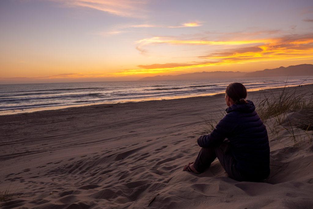 Sonnenuntergang auf dem Highway No. 1 am Strand
