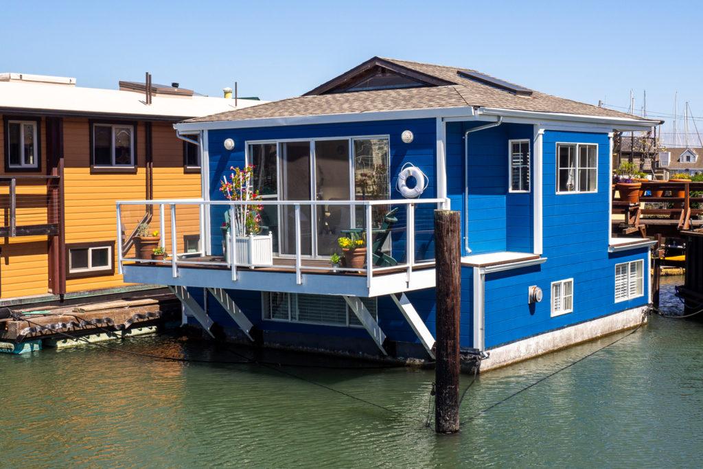 Eines der schnuckeligen Hausboote in Sausalito bei San Francisco
