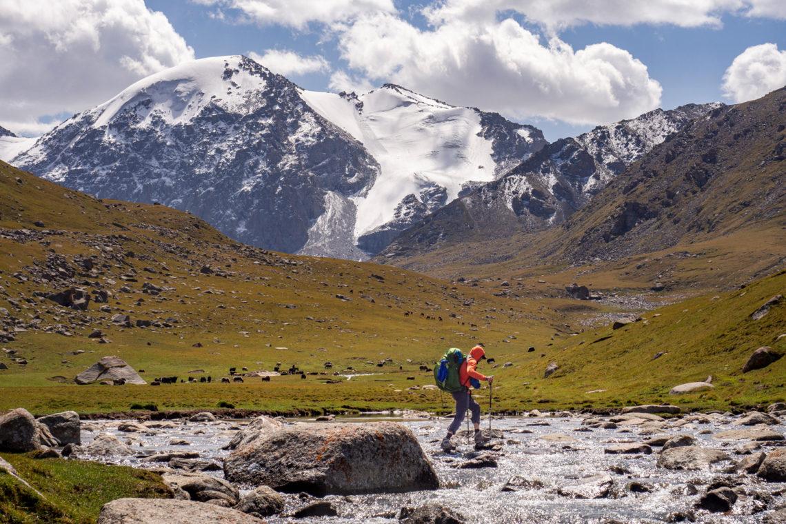 Überquerung des Sary-Tor Flusses in Kirgistan